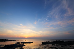 Sky (Teruhide Tomori) Tags: sun sunset japan japon tango kyotango sea clouds landscape kyoto taiza 太陽 夕陽 夕日 夕焼け 空 sky 風景 日本 丹後半島 京丹後 丹後 海 日本海 京都 日没 coast seashore shore beach 海岸 間人
