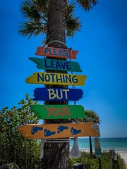 Please leave nothing but your footprints (subrec) Tags: signs beach colorful florida unitedstatesofamerica beachsigns roadsideattraction pleaseleavenothingbutyourfootprints indianrocksbeach leavenothingbutyourfootprints