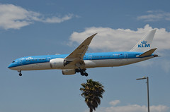 KLM Airlines 787-900 Dreamliner (PH-BHN) LAX Approach 4 (hsckcwong) Tags: klmairlines klm 787900 7879 787 dreamliner phbhn lax klax