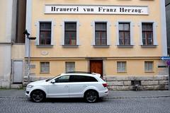 EICHSTÄTT - BRAUEREI VON FRANZ HERZOG (Maikel L.) Tags: europa europe deutschland germany alemania bayern bavaria eichstätt haus house brewery brauerei franzherzog fassade facade streetscene street