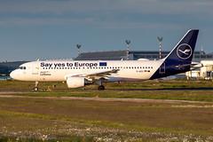 D-AIZG Lufthansa Airbus A320-214 (buchroeder.paul) Tags: eddl dus dusseldorf international airport germany europe ground dusk daizg lufthansa airbus a320214