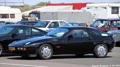 Porsche 928 S automatic 1985 (XBXG) Tags: pbhs10 porsche 928 s automatic 1985 porsche928 porsche928s bva automatique coupé coupe noir black nationaal oldtimer festival 2019 nationaaloldtimerfestival carshow circuit zandvoort nederland holland netherlands paysbas youngtimer old german classic car auto automobile voiture ancienne allemande germany deutsch duits deutschland vehicle outdoor