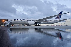 United Airlines 2017 Boeing 787-9 Dreamliner N15969 at San Francisco Airport 2019. (17crossfeed) Tags: unitedairlines unitedexpress boeing 787 7879 n15969 60142 airport sfo sanfranciscoairport sfoov aviation aircraft airplane planes pilot planespotting plane 17crossfeed claytoneddy maintenance landing lufthansa deltaairlines americanairlines southwestairlines