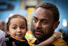 Gaby and his daughter (davidhowlett) Tags: ricoharena quins wasps coventry waspsrugby gallagher ricoh rugbyunion pre rugby iership harlequins