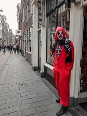 Mask it on (Bonsailara1) Tags: bonsailara1 amsterdam holanda netherlands centrum máscara mask shop tienda