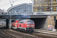 218 106-3 at Hamburg (robmcrorie) Tags: class 218 hamburg lübeck 1063 train rail railway railfan hbf