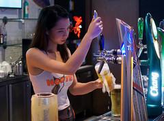 Hooters Sunday... (Asiacamera) Tags: asiacamera bangkok thailand hooters sexy thai girl beer