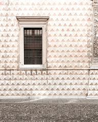 Ferrara-21 (e.berti93) Tags: ferrara architecture architettura art italy brick urban antico monumento castello estense piazza città bike