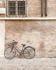 Ferrara-19 (e.berti93) Tags: ferrara architecture architettura art italy brick urban antico monumento castello estense piazza città bike