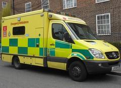 London Ambulance Service (LX11 ADV) (ferryjammy) Tags: london las ambulance lx11adv unit7834 barnehurstcrew l1
