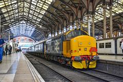 37409 t&t 37405 - London Liverpool Street - 18/05/19. (TRphotography04) Tags: br large logo 37409 lord hinton direct rail serves 37405 topntail the each express 3 charity railtour which ran from norwich ely kings lynn back onto liverpool street via cambridge finally geml