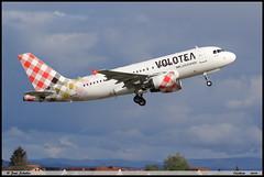 AIRBUS A319 112 VOLOTEA EC-MTN 2113 Entzheim avril 2019 (paulschaller67) Tags: airbus a319 112 volotea ecmtn 2113 entzheim avril 2019