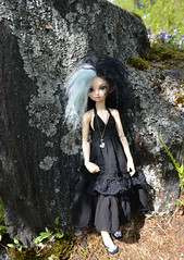 Hortensia and Mariette at Japanese style garden (Xaya-Pooh) Tags: fairyland minifee juri13 darkelfsoo des doll bjd dollhobby