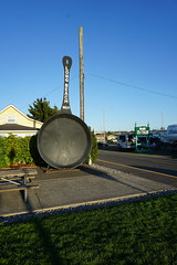 World's Largest Frying Pan (kevincrumbs) Tags: longbeach fryingpan worldslargestfryingpan