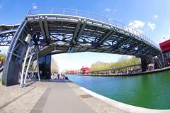 523 Paris en Mars 2019 - le canal de l'Ourcq à La Villette (paspog) Tags: paris france mars march märz 2019 lavillette canal canaldelourcq passerelle parc parcdelavillette