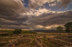 El paso del tiempo. (Amparo Hervella) Tags: ercávica cuenca españa spain ruinasromanas paisaje naturaleza cielo nube árbol atardecer largaexposición d7000 nikon nikond7000 ruinas