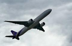 zrh_01_21022016_13'39 (eduard43) Tags: aircraft airplane flugzeug thaiairways boeing777300er hstkx airport flughafen zürichkloten