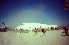 Boeing 747 @ Burning Man 2017 (hiphopmilk) Tags: copyright©jaredyehwooehmoehfilms konica offroad 現場監督 zoom 35mm 135film film analog analogue jaredyeh hiphopmilk kodak travel us usa blackrockcity nevada burningman burner desert burners flight plane airplane boeing 747 cabin