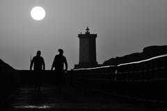 Plier les gaules (hubert.jehl) Tags: contrejour phare lighthouse