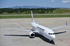 ボーイング737−800 Boeing737-800 (ELCAN KE-7A) Tags: 日本 japan 秋田 akita 空港 airport 日本航空 jal jl airlines airplane ボーイング boring 737 800 ペンタックス pentax k3ⅱ 2019