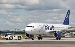 air blue a320-214 oe-igt (ap-bnv) at shannon 20/5/19. (FQ350BB (brian buckley)) Tags: airblue a320214 oeigt apbnv einn