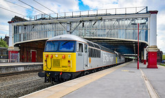 56103 and 56091 at Stoke (robmcrorie) Tags: 56091 56103 stoke trent station 6z55 chaddesden carlisle dcr class 56 grid nikon d850 staffordshire