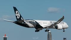 Air New Zealand Boeing 787 (piotrkalba) Tags: airplane narita airport nrt rjaa plane spotting nikon d5300