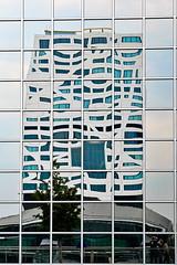 Reflectie (_Ard_) Tags: utrecht architectuur spoorweg treinen trein structuur gebouwen