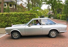 1969 Fiat 124 Sport Coupe (Steenvoorde Leen - 13.8 ml views) Tags: 2019 doorn utrechtseheuvelrug carinthestreet 1969fiat124sportcoupe oldtimer classiccar italiencar