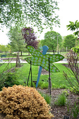 JIM_2902 (James J. Novotny) Tags: dragonflies sculptures sculpture d750 nikon rotarygarden rotarybotanicalgardens gardens garden gardenbotanical unlimitedphotos unlimiedphotos unlimited art artwork