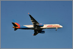 Jet2 Airways G-LSAK. (PS_Bus_Driver) Tags: jet2airways glsak boeing757 egcc manchesterairport finalapproach 20thmay2019 20052019