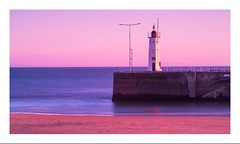 Anstruther Lighthouse (jamesdewar99) Tags: lightcanonoutdoor fifecoast sunset colour seascape light lighthouse sky scotland spring