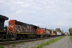 CN 4799 & CN 4802 (Michael Berry Railfan) Tags: cn canadiannational cn401 train freighttrain sthenri montreal montrealsub quebec emd gmd gp382 gp382w cn4799 cn4802