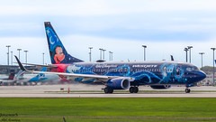 Mickey Mouse taking off (JonathanSzt) Tags: aviation westjet 738 737 airplane