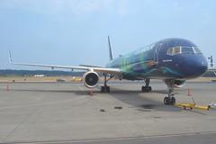 TF-FIU (LAXSPOTTER97) Tags: icelandair tffiu hekla aurora livery paint scheme boeing 757 757200 cn 26243 ln 603 aviation airport airplane kpdx