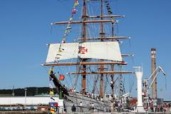 AVILES - VELERO PORTUGUÉS SAGRES (mflinera) Tags: aviles asturias velero portugues sagres barco mar cielo