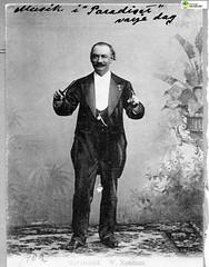 tm_11470 (Tidaholms Museum) Tags: svartvit positiv dirigent man herre lord musiker musik conductor director blackandwhite