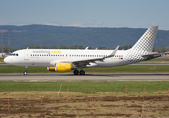 EC-LVU (Skidmarks_1) Tags: eclvu vueling airbusa320 engm norway osl oslogardermoenairport aviation aircraft airport airliners