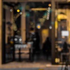 Tomando un café... (Irene Carbonell) Tags: ciudadvieja montevideo uruguay calles bokeh