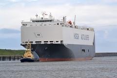 Hoegh Yokohama Tyne 210519 (silvermop) Tags: ship boats ships sea carcarriers vehiclecarriers port river tyne roro hoeghyokohama