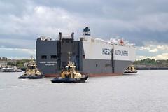 Hoegh Yokohama.... Tyne 210519 (silvermop) Tags: ship boats ships sea carcarriers vehiclecarriers port river tyne roro hoeghyokohama