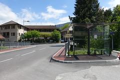 LIHSA bus stop @ Pont de Monnetier @ Hike to Vallée du Laudon (*_*) Tags: 2019 printemps spring afternoon may hiking mountain montagne nature randonnee walk marche europe france hautesavoie 74 annecy saintjorioz laudon bauges circuitdulaudon loop valléedulaudon savoie monnetier monetier