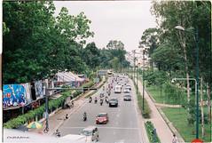 000060 (vuphone0977) Tags: vietnam yashica takuma 55f18 vistaplus200 saigon sàigòn cafe2fone landscape streetlife mylife