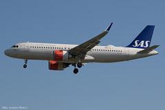 EI-SII (Baz Aviation Photo's) Tags: eisii airbus a320211 sas ireland scandinavian airlines sk heathrow egll lhr 27l sk803