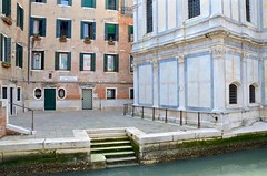 Campiello dei Miracoli (Joe Shlabotnik) Tags: church chiesa italia april2019 2019 venezia venice italy canal afsdxvrzoomnikkor18105mmf3556ged