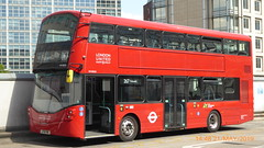 P1160610 VH45315 LF19 FWG at Hammersmith Upper Bus Station Hammersmith London (LJ61 GXN (was LK60 HPJ)) Tags: ratp londonunited volvob5lhybrid wrightbusgemini3streetdeckstyle wrightbusgemini3 106m 10600mm vh45315 lf19fwg ar123