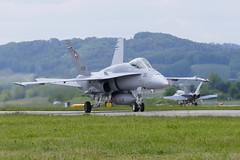 Boeing F/A-18 Hornet J-5010 Swiss Airforce Payerne Airbase Switzerland 2019 (roli_b) Tags: boeing fa18 fa 18 hornet j5010 swiss airforce schweizer luftwaffe payerne airbase air base flugplatz aeroport airport switzerland schweiz suisse suiza svizzera aircraft airplane jet flugzeug flieger avion aereo aviacao aviation 2019