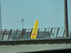 Barcelona Airport - DHL (ell brown) Tags: barcelona catalonia catalunya spain españa barcelona–elpratjoseptarradellasairport barcelonaairport barcelonaelpratairport bcn aena aeropuertodebarcelona terminal2b coach plane dhl