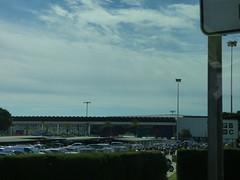 Barcelona Airport - heading towards Terminal 2B (ell brown) Tags: barcelona catalonia catalunya spain españa barcelona–elpratjoseptarradellasairport barcelonaairport barcelonaelpratairport bcn aena aeropuertodebarcelona terminal2b coach