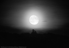 Folly Moonrise II (Ant_H.) Tags: moon mow cop